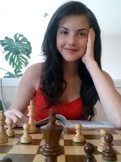 alejandra-botez-1-9943-1408245852.jpg