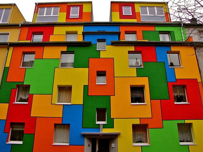 Khu nhà hộp đơn giản ở Nippes (Cologne, Đức) bỗng trở nên cực kỳ cuốn hút với sáng tạo độc đáo.