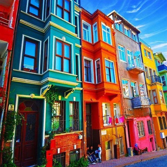 Bức ảnh con phố ở Istanbul, Thổ Nhỹ Kỳ, khiến người ngỡ như tranh vẽ.