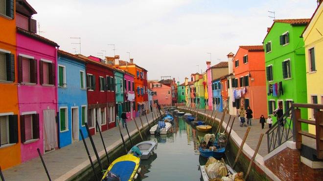 Thị trấn Burano (thành phố Venice, Italia) là điểm đến lý tưởng để các bạn tha hồ pose hình.