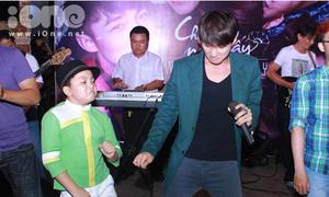 Con nuôi Hoài Linh hát nhảy y hệt Sơn Tùng M-TP