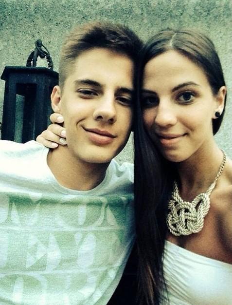 Esztergalyos Patrik và bạn gái.