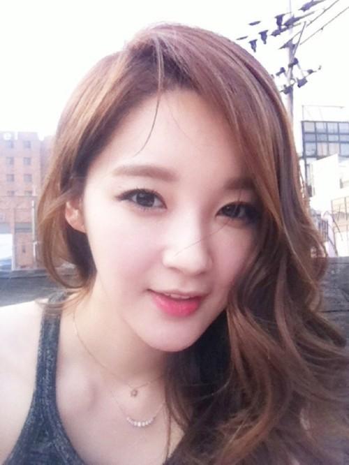 davichis-kang-min-kyung-sunbat-4530-5159