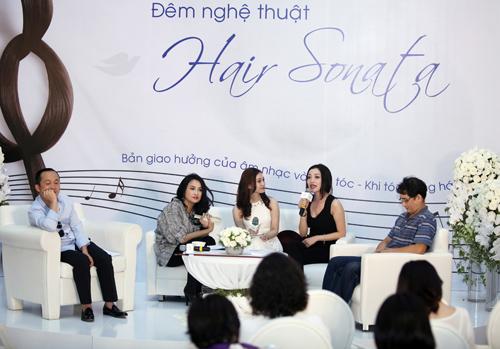 Sao Việt hào hứng với violin làm từ tóc thật