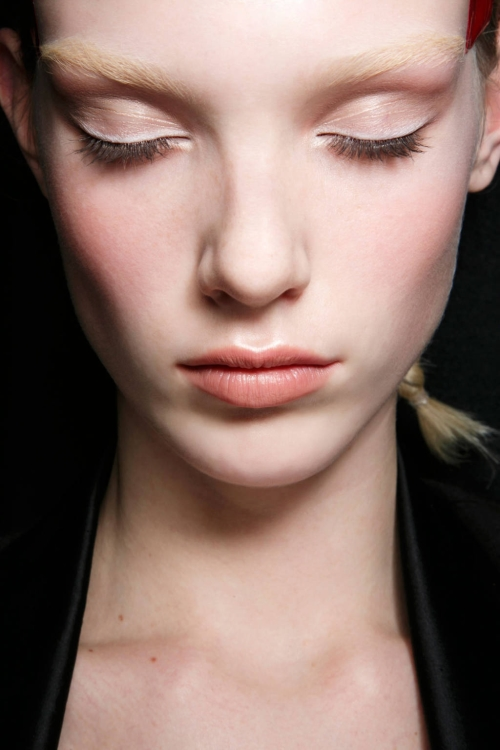 hbz-fall-lipstick-preview-peac-1153-9309