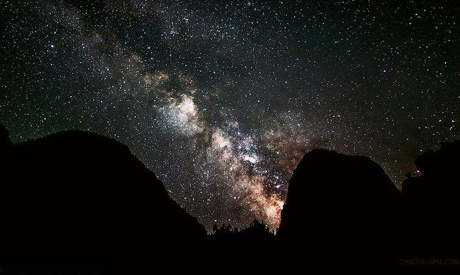 Ngắm bầu trời sao lung linh, huyền ảo như cổ tích