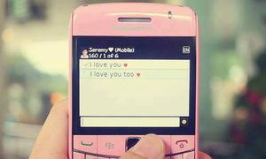 Làm gì: Có nên trả lời tin nhắn người yêu cũ?