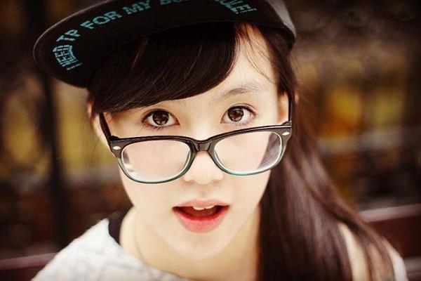 Không chỉ gây ấn tượng với vẻ đẹp trong sáng, nhẹ nhàng, Thiên Trang còn được biết đến với những bức ảnh thời trang cực xì-tai do chính cô bạn chụp và đăng lên website cá nhân.  Nhiều bức ảnh của Trang được các website dành cho giới trẻ dùng làm ảnh quảng cáo, và mời Trang làm người mẫu.