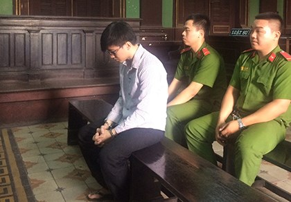 Bị cáo Phạm Văn Phú tại phiên tòa.