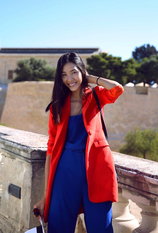 Biểu cảm của chân dài ngày càng chuyên nghiệp. Cô được xem là một trong những người mẫu trẻ nhiều tiềm năng ở sàn diễn quốc tế