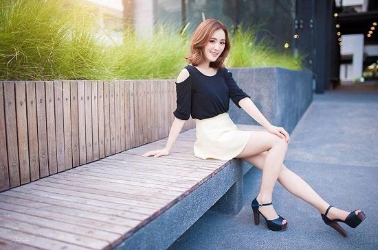 Ở đời thường, Tang sở hữu phong cách ăn mặc nữ tính, thời thượng và nhí nhảnh. Cũng nhờ điều này mà tên tuổi của cô nàng càng hot trên mạng xã hội.