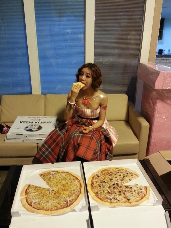 girls-day-hyeri-pizza-1549-1410928236.jp