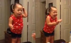 Bé 4 tuổi bệnh Down hát nhép hút hơn 100 nghìn lượt chia sẻ