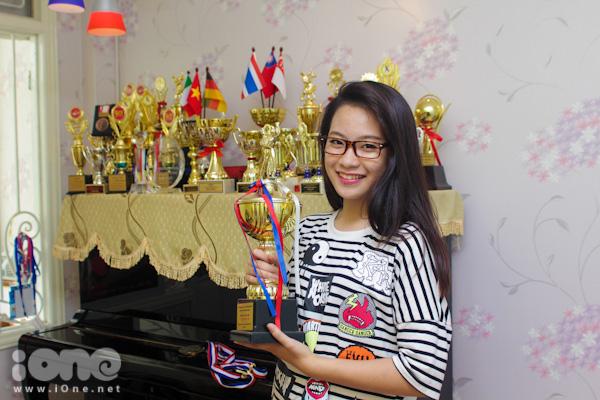 Cô bạn 15 tuổi Phan Nguyễn Quỳnh Hương, THPT Thực Nghiệm, Hà Nội không chỉ được biết đến với vẻ xinh xắn, năng động mà còn gây ấn tượng với ''kho báu''