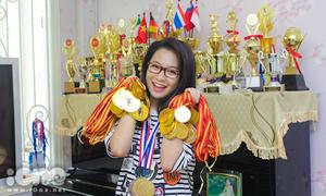 Hotgirl dance-sport 15 tuổi khoe bộ HCV choáng ngợp