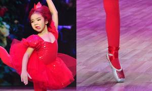 Vũ công 7 tuổi nhảy bằng mũi chân cứng điêu luyện