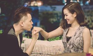Tâm Tít cười thẹn thùng khi Trịnh Thăng Bình cầu hôn