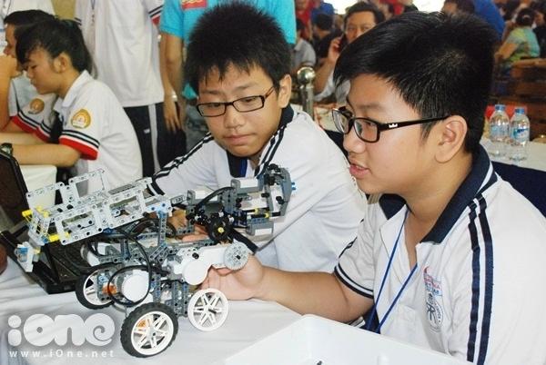 Chien-binh-robot-1-1840-1411311945.jpg