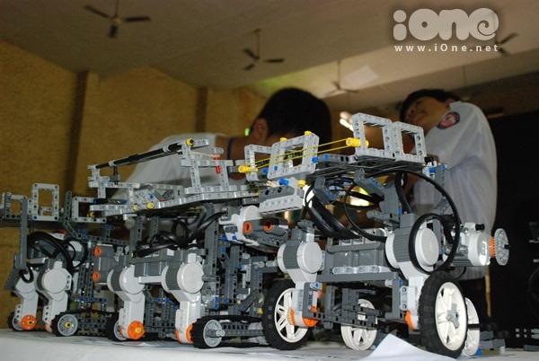 Chien-binh-robot-13-9575-1411311946.jpg