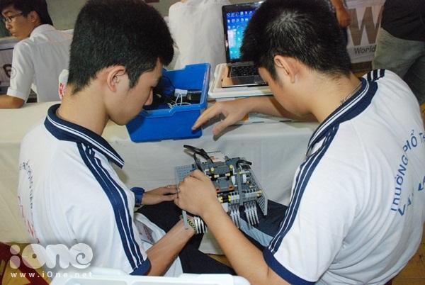 Chien-binh-robot-3-3299-1411295322.jpg