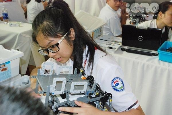 Chien-binh-robot-6-1154-1411311945.jpg