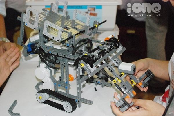 Chien-binh-robot-7-6342-1411295323.jpg
