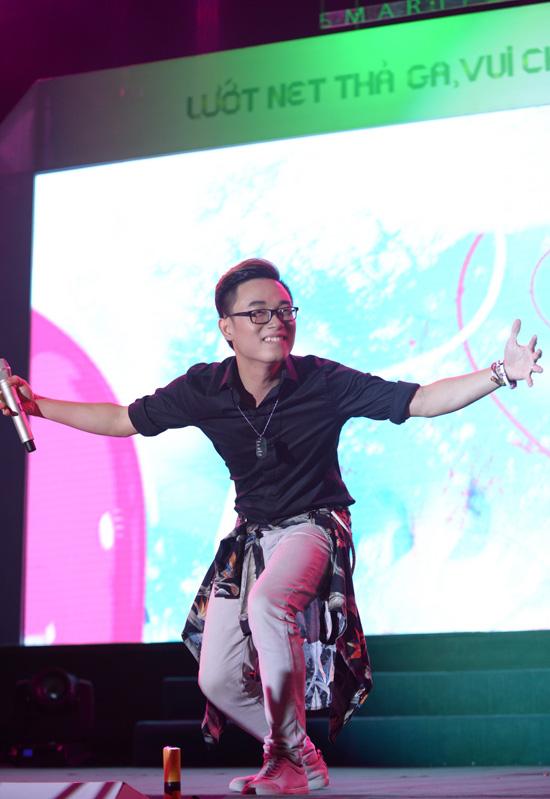 Chuỗi chương trình Ngày hội Neo 3 tiếp tục chứng minh sức lan tỏa mạnh mẽ với điểm dừng chân thứ 4 ở TP Nha Trang.
