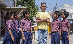 Cậu bé 5 tuổi lập Kỷ lục Guiness với chiều cao 1m70