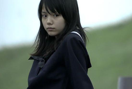 Tình yêu trắc trở kéo dài 17 năm của Yu và Yosuke đã thực sự mang lại nhiều cảm xúc day dứt và xúc động đến cho người xem. Bộ phim có sự góp mặt của nữ diễn viên nổi tiếng Aoi Miyazaki.