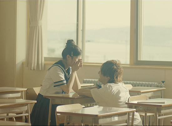 Hai phần phim của Ngày ấy chúng ta bên nhau đã chiếm vị trí quán quân phòng vé ngay từ những ngày đầu công chiếu. Bộ phim là câu chuyện về tình yêu kéo dài 10 năm của Yano Motoharu và Nanami Takahashi. Yano là một chàng hotboy nổi tiếng trong trường, nhưng cậu luôn bị ám ảnh sau cái chết của bạn gái cũ. Được chuyển thể từ manga cùng tên đã từng rất thành công trước đó, Ngày ấy chúng ta bên nhau đã nhận được nhiều sự quan tâm của khán giả trẻ xứ hoa anh đào.