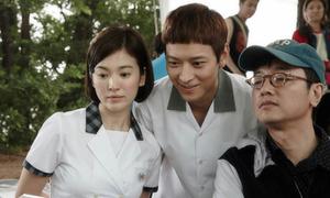 Sao Hàn 24/9: Song Hye Kyo hơn 30 vẫn đóng học sinh cấp ba