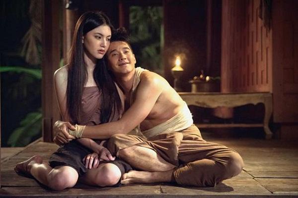 """Có lẽ đây chính là một trong những đặc điểm khiến phim kinh dị Thái trở thành """"đối thủ"""" đáng gờm của nhiều quốc gia khác... So độ nhan sắc, diễn viên phim Thái có ngoại hình long lanh không kém sao Hàn, Đài Loan..."""