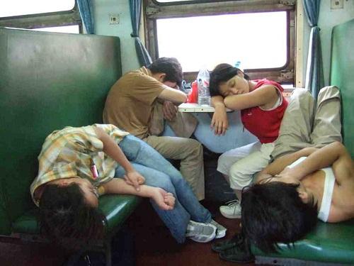 hard-seat-train-small-8317-1412059776.jp