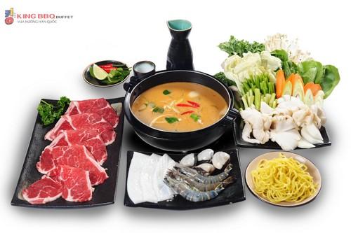 Lẩu Tomyum  món lẩu nổi tiếng của Thái Lan và là một trong những loại lẩu được yêu thích nhất trên thế giới.
