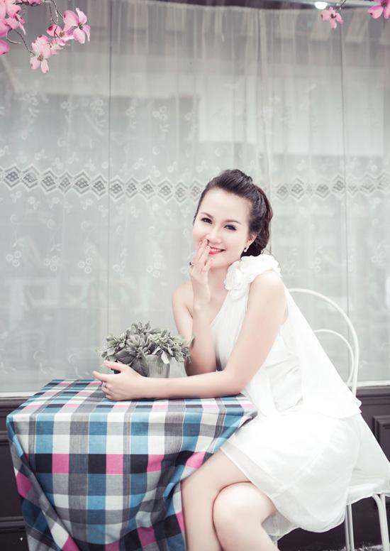 Ngọc Thảo sinh năm 1993, đến từ thành phố Nha Trang, chiều cao 1m71, số đo 84  60  90. Thảo có ước mơ trở thành một doanh nhân nổi tiếng.