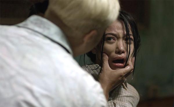 Đảm nhiệm vai chính trong bộ phim này là Trương Ngọc Ánh. Hương Ga là đại tỷ từng bán hương nơi nhà ga và một trong số những cô gái hiếm hoi của đất Cảng tạo dựng được sự nghiệp từ chốn giang hồ hiểm ác.