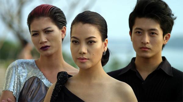 Được chuyển thể từ tiểu thuyết Phiên bản của nhà văn Nguyễn Đình Tú ( giải thưởng cuộc thi tiểu thuyết và ký của Hội nhà văn Việt Nam kết hợp với Bộ công an 2010), bộ phim là câu chuyện đời u uẩn, ly kỳ của  một nữ tội phạm lừng danh cả nước.