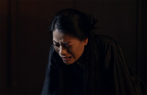 Tuy bề ngoài mạnh mẽ là vậy, nhưng trong thâm tâm Hương Ga vẫn là một người phụ nữ.