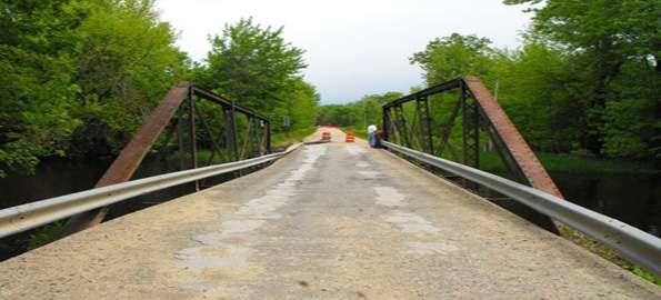 Kenny là một con đường ở tiểu bang Pennsylvania, Mỹ được bao quanh bởi một khu rừng.