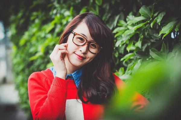Trần Thị Thanh Hoa, sinh năm 1996, hiện đang theo học tại Học Viện Quản lí giáo dục.  Thanh Hoa cao 1m68.nặng 46kg.