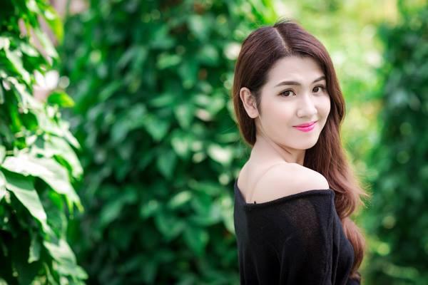 Nguyễn Thị Thu Hà sinh năm 1992, cao 1m70, cân nặng 52 kg. Cô gái có thân hình thanh mảnh này đến từ Hà Giang và đã tốt nghiệp Đại học Kinh doanh và Công nghệ Hà Nội.