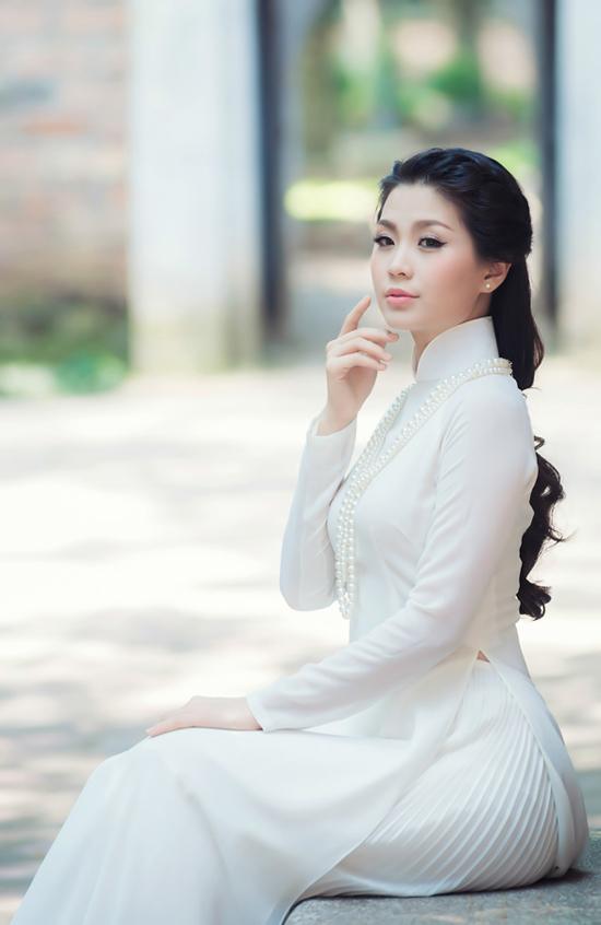 ô giành Giải nhất Miss teen 2010, Giải nhất Nữ hoàng cà phê 2013.  Trang là một trong 28 thành viên của chuyến tàu Thanh niên Đông Nam Á 2012.