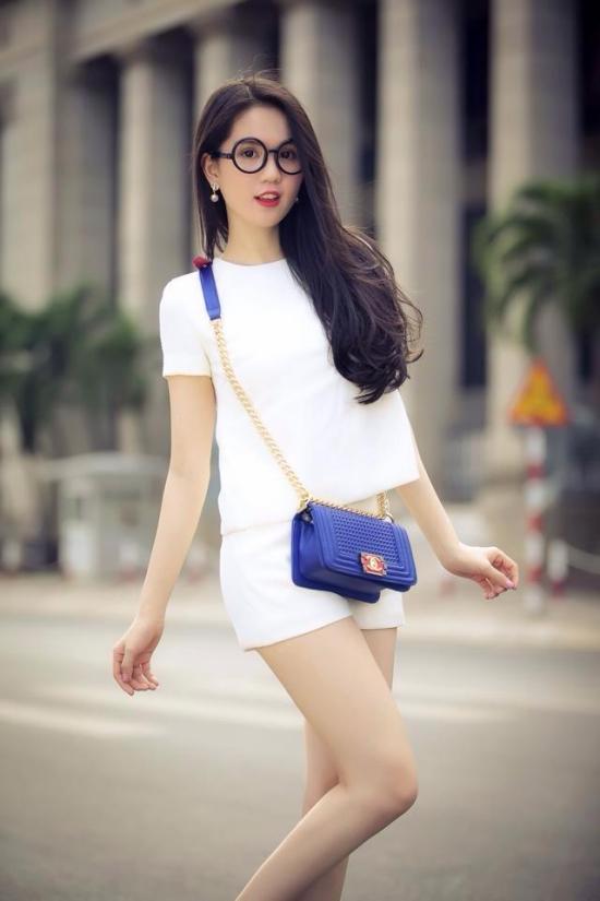 Ngoc-Trinh-3-3281-1413359503.jpg