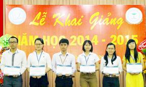 Rohto-Mentolatum Việt Nam trao học bổng cho sinh viên