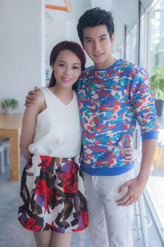 Trong sản phẩmđầu tay, Huỳnh Như Ý quyết định mời ngôi sao điện ảnh của Thái Lan là Pak Narapat về Việt Nam để tham gia vào MV qua lời giới thiệu của stylist Trịnh Tú Trung.