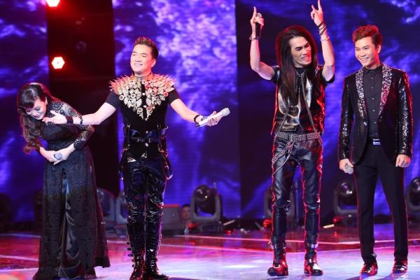 Trong đêm chung kết, đội Đàm Vĩnh Hưng không còn thí sinh tranh tài. Tuy vậy, anh vẫn trình diễn một liên khúc cùng các thí sinh của đội mình.