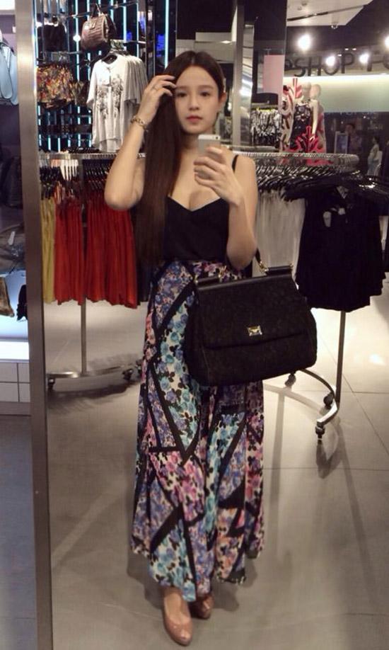 Chiếc túi hiệu Dolce&Gabbana Miss Sicily có giá từ 35 đến 45 triệu đồng