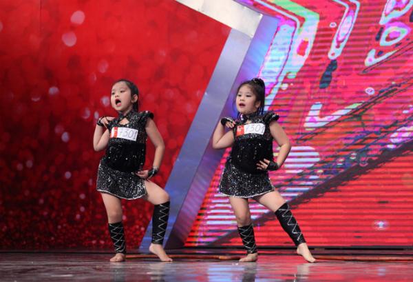 Vietnam-s-Got-Talent-1_1413804942_141380