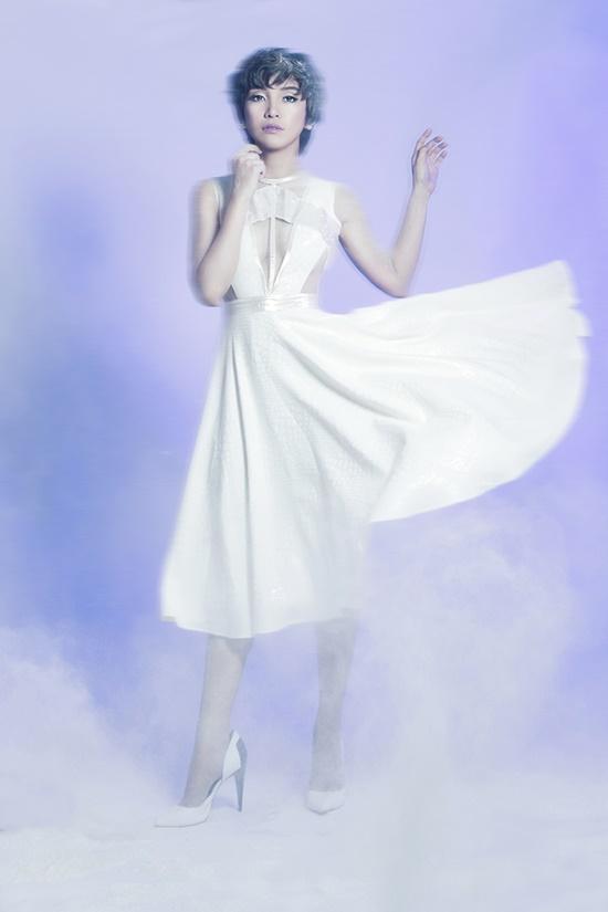 Bên cạnh đó, music video của Lời em kể sẽ sớm ra mắt trong thời gian sắp tới. Đặc biệt, đảm nhận vai trò tình địch của Tiêu Châu Như Quỳnh trong MV là nữ ca sĩ Ái Phương, cô cũng chính là bạn thân của Tiêu Châu Như Quỳnh trong âm nhạc cũng như trong cuộc sống.
