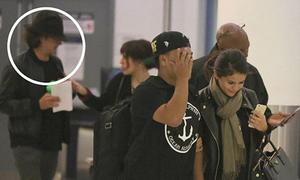 Selena Gomez lại bắt cặp với Orlando sau khi chia tay bạn trai